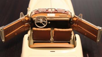 Прикрепленное изображение: BMW 503 - salon.jpg
