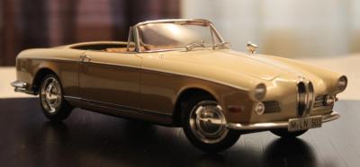 Прикрепленное изображение: BMW 503 - speredi sboku 2.jpg