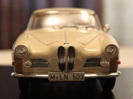 Прикрепленное изображение: BMW 503 - speredi.jpg