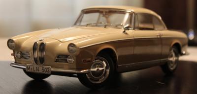 Прикрепленное изображение: BMW 503 - speredi sboku 3.jpg