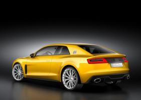 Прикрепленное изображение: Audi-Sport-Quattro-Concept-2013-back.jpg