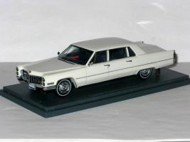 Прикрепленное изображение: Cadillac Fleetwood Seventy-Five Limousine 007.JPG