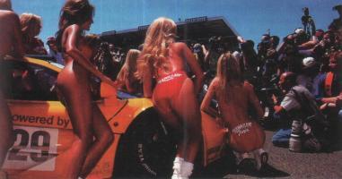 Прикрепленное изображение: Девушки и McLaren.jpg