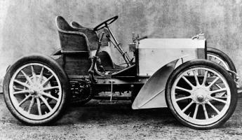 Прикрепленное изображение: Mercedes_35PS-Rennwagen.jpg