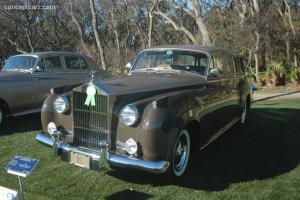 Прикрепленное изображение: Rolls Roys Silver Cloud I Harold Radford SC Estate-1959.01.jpg