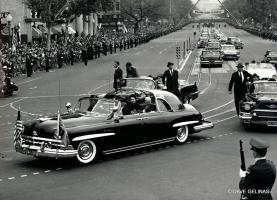Прикрепленное изображение: 1957 Eisenhower and queen '50 Lincoln Cosmopolitan Presidential Limousine 02.jpg