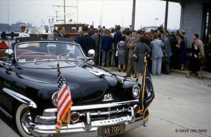 Прикрепленное изображение: 1957 Eisenhower '50 Lincoln Cosmopolitan Presidential Limousine 01.jpg