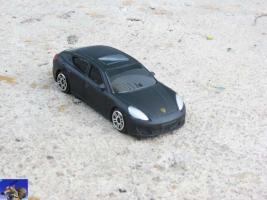 Прикрепленное изображение: Porsche Panamera Turbo_0-0.jpg