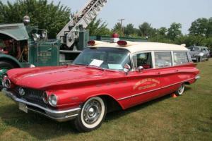 Прикрепленное изображение: Buick Electra 225 Ambulance  1960.jpg