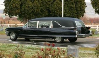 Прикрепленное изображение: Cadillac  Hearse 1962.jpg
