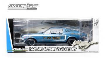 Прикрепленное изображение: 12844 - 1-18 Jimbo\'s Pure Oil Racing Tribute - 1968 Ford Mustang 2+2 Fastback (In Packaging, LowRes).jpg