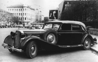 Прикрепленное изображение: Maybach SW38 на Пушкинской (71-72 г.).jpg