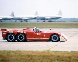 Прикрепленное изображение: Alfa-Romeo-6-wheel-Project-Sebring-70.jpg