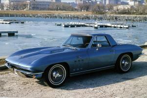 Прикрепленное изображение: Chevrolet Corvette Sting Ray Convertible 1965 (3).jpg