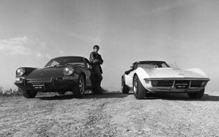 Прикрепленное изображение: Chevrolet Corvette Stingray 1970 & Porsche 911E.jpg