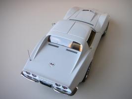 Прикрепленное изображение: Chevrolet Corvette Stingray 1970 (Autoart) (31).JPG