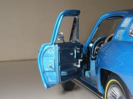 Прикрепленное изображение: Chevrolet Corvette Sting Ray 1965 (GMP) (49).JPG