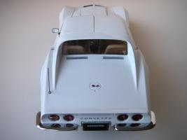 Прикрепленное изображение: Chevrolet Corvette Stingray 1970 (Autoart) (29).JPG
