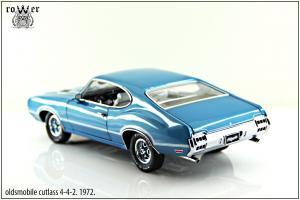 Прикрепленное изображение: oldsmobile cutlass 4-4-2 012.jpg