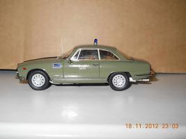 Прикрепленное изображение: Colobox_Alfa-Romeo_2000_Sprint_Polizia_Bang~04.jpg