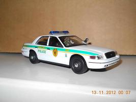 Прикрепленное изображение: Colobox_Ford_Crown_Victoria_Police_Miami-Dade_Ixo~02.jpg