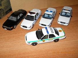 Прикрепленное изображение: Colobox_Ford_Crown_Victoria_Police_Miami-Dade_Ixo~05.jpg