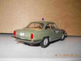 Прикрепленное изображение: Colobox_Alfa-Romeo_2000_Sprint_Polizia_Bang~03.jpg