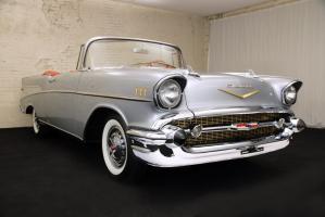 Прикрепленное изображение: 1957 Chevrolet BelAir Convertible (17) Website.jpg