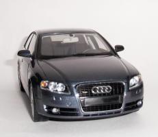 Прикрепленное изображение: Audi A4 2005 Grey.JPG