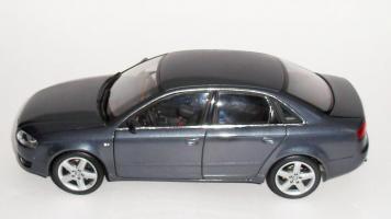Прикрепленное изображение: Audi A4 2005 Grey (5).JPG
