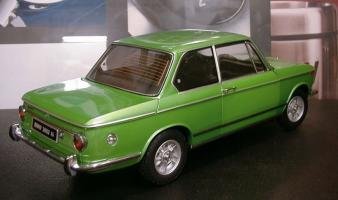 Прикрепленное изображение: bmv 2002tii green kyosho (13).jpg