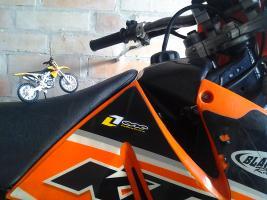 Прикрепленное изображение: Suzuki rm-z450.jpg