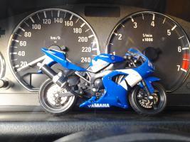 Прикрепленное изображение: Yamaha YZF-R1 Bburago sbor.jpg
