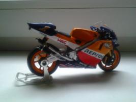 Прикрепленное изображение: Honda NSR 500 Team Repsol Honda  Rider M. Doohan 1998 #1.jpg