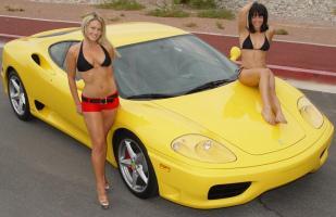 Прикрепленное изображение: hot-girls-ferrari-360-modena.jpg