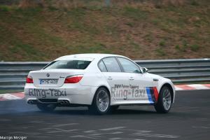 Прикрепленное изображение: BMW M5 E60 (2).jpg