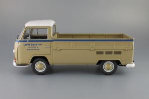 Прикрепленное изображение: Volkswagen T2a Pritsche LKW Service Schuco 450018100_03.JPG