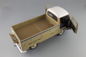 Прикрепленное изображение: Volkswagen T2a Pritsche LKW Service Schuco 450018100_09.JPG