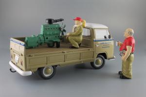 Прикрепленное изображение: Volkswagen T2a Pritsche LKW Service Schuco 450018100_15.JPG