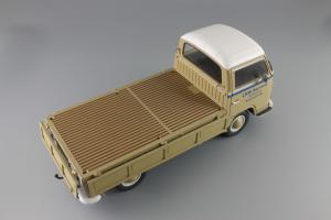 Прикрепленное изображение: Volkswagen T2a Pritsche LKW Service Schuco 450018100_10.JPG