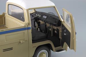 Прикрепленное изображение: Volkswagen T2a Pritsche LKW Service Schuco 450018100_12.JPG