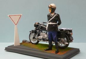 Прикрепленное изображение: Diorama 118 Gendarme et BWM R60-2.jpg