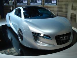 Прикрепленное изображение: Audi-RSQ-irobot-2.jpg