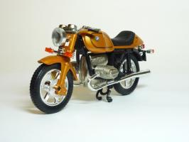 Прикрепленное изображение: BMW R 100 \'1981 (Guiloy) 2.JPG