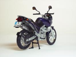 Прикрепленное изображение: BMW F 650 ST \'1997 (Welly) 5.JPG