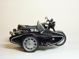 Прикрепленное изображение: BMW R 90-6 Sidecar \'1974 (Solido) 4.JPG