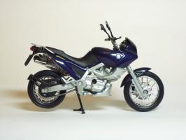 Прикрепленное изображение: BMW F 650 ST \'1997 (Welly) 4.JPG