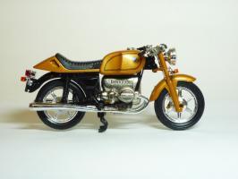 Прикрепленное изображение: BMW R 100 \'1981 (Guiloy) 4.JPG