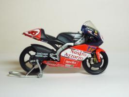Прикрепленное изображение: Aprilia RSW 250 #46 V. Rossi \'1998 World Championship (Leo Models) 4.JPG