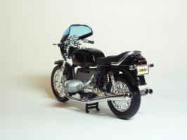 Прикрепленное изображение: BMW R 100 S \'1976 (Welly) 6.JPG